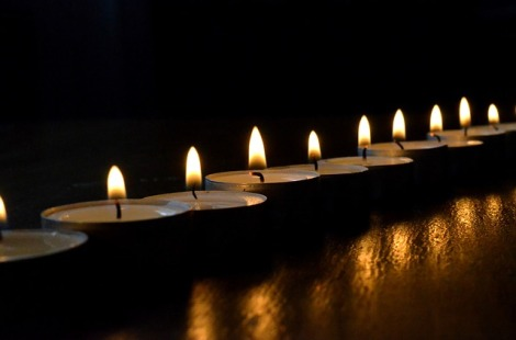 tea-lights-502779_640